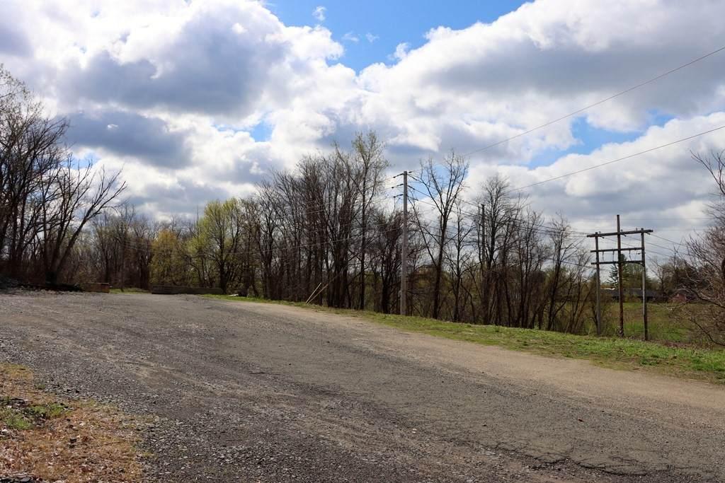 19 Railroad Ave - Photo 1