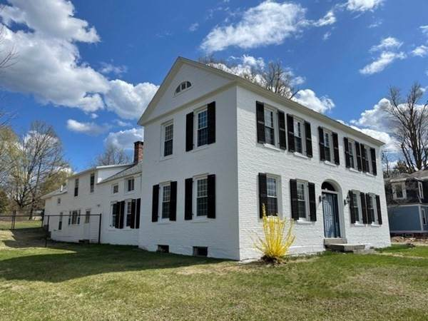 181 Main Street, Northfield, MA 01360 (MLS #72821230) :: Welchman Real Estate Group