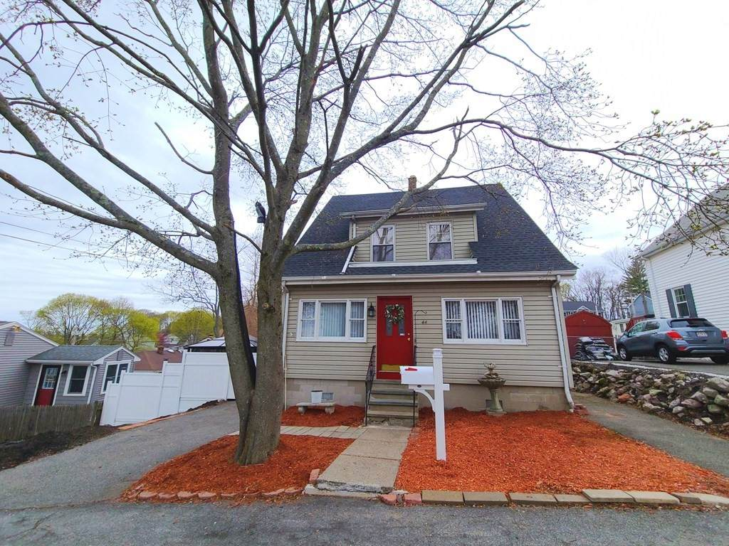44 Grand View Ave - Photo 1