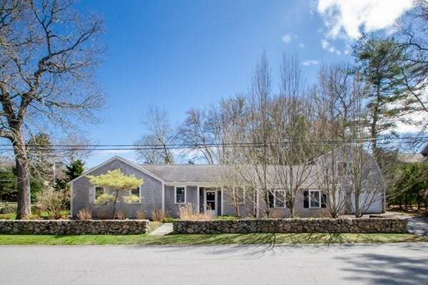 72 Front St, Marion, MA 02738 (MLS #72823659) :: DNA Realty Group