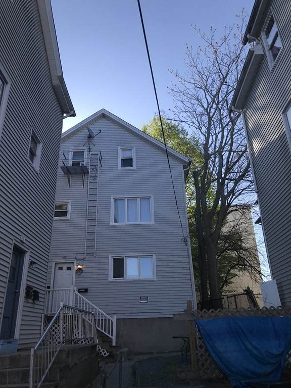 42 Rocliffe St, Fall River, MA 02723 (MLS #72827435) :: The Ponte Group