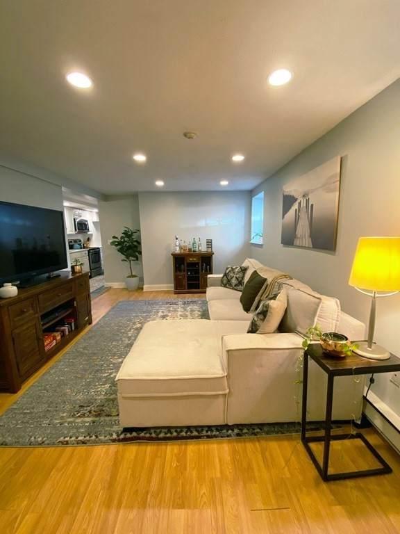 159 Dorchester St B, Boston, MA 02127 (MLS #72830506) :: Boston Area Home Click