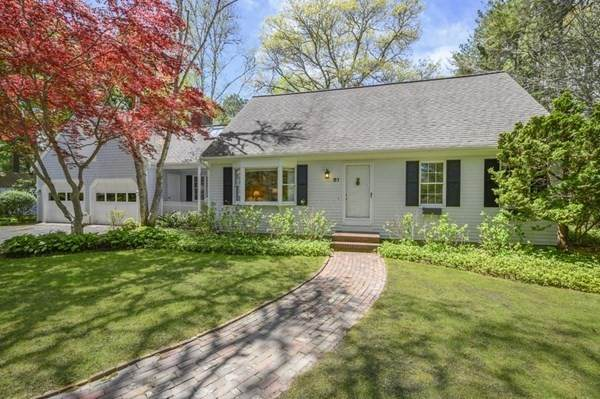81 Ralyn Rd, Barnstable, MA 02635 (MLS #72830544) :: Spectrum Real Estate Consultants