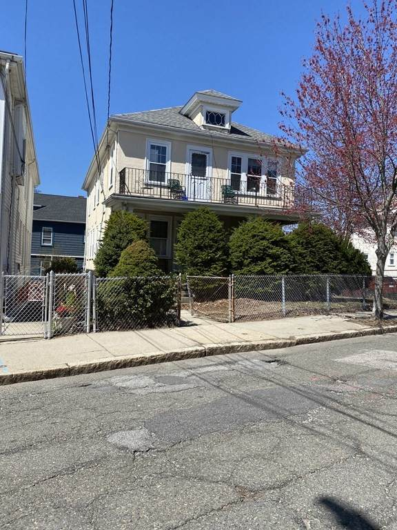 136-138 North Street, Somerville, MA 02144 (MLS #72832401) :: Charlesgate Realty Group