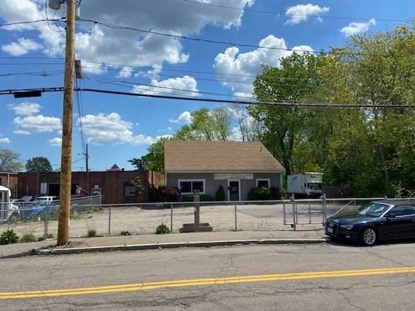18 Perkins Street, Brockton, MA 02302 (MLS #72832813) :: Alex Parmenidez Group