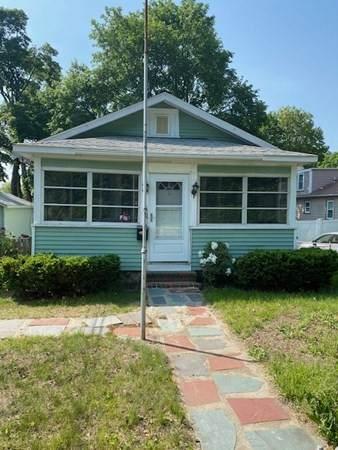 10 Greenwood Street, Wakefield, MA 01880 (MLS #72838027) :: Chart House Realtors