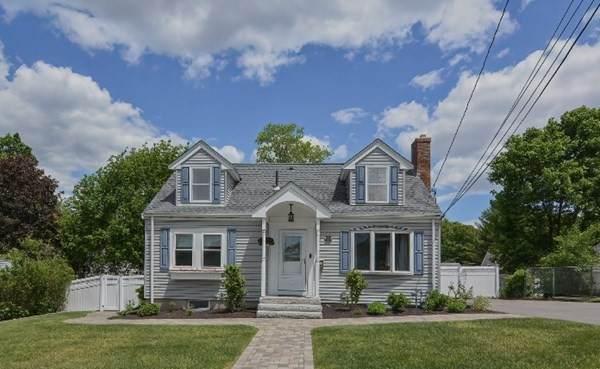 65 Oak St, Stoneham, MA 02180 (MLS #72840324) :: Spectrum Real Estate Consultants