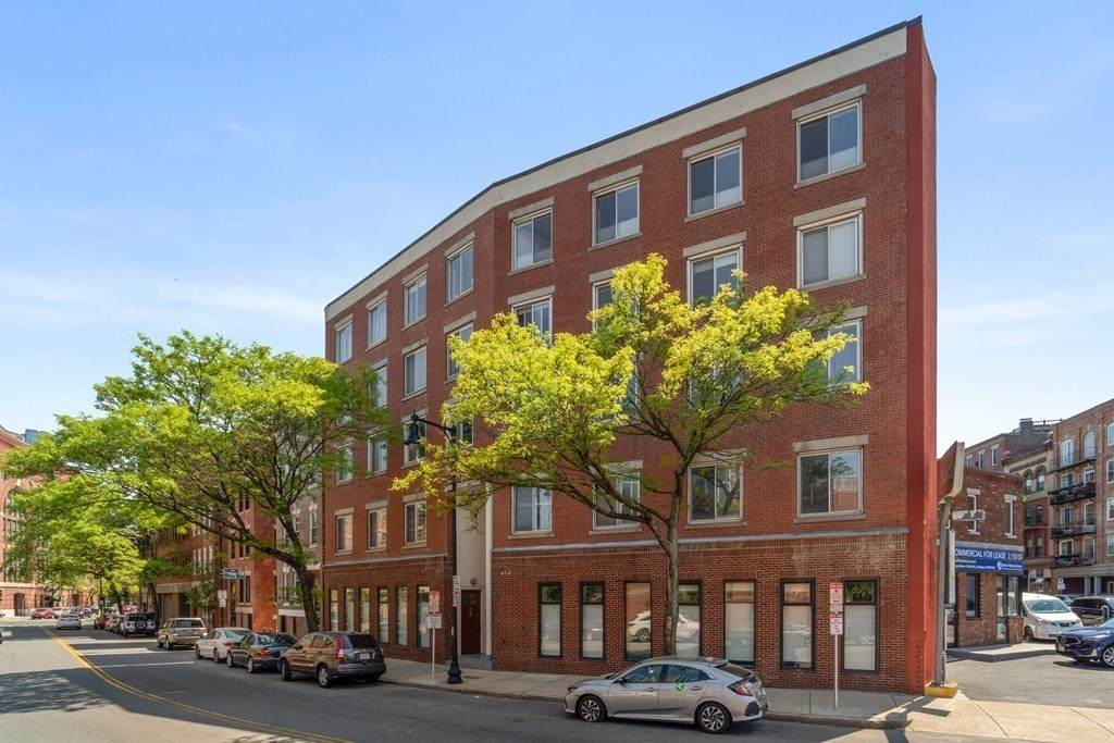 414 Commercial Street - Photo 1