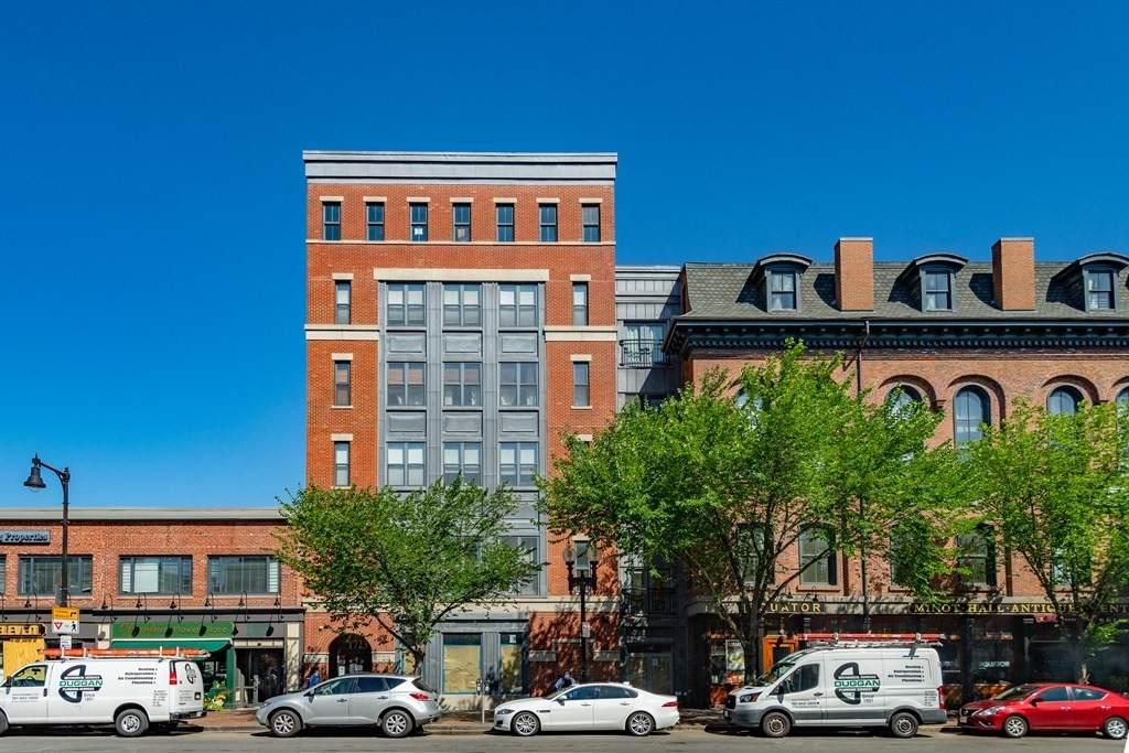 1721 Washington St - Photo 1