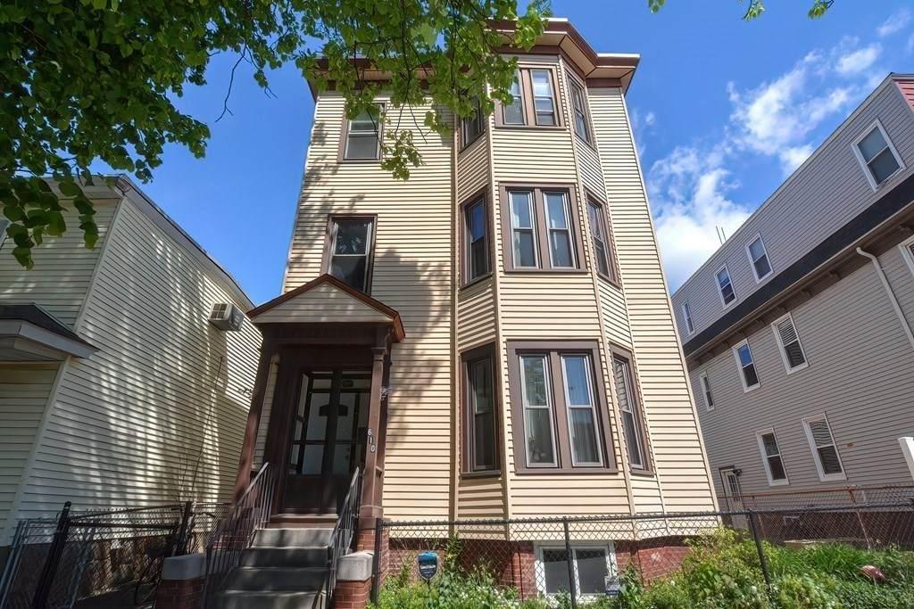 610 Bennington St - Photo 1
