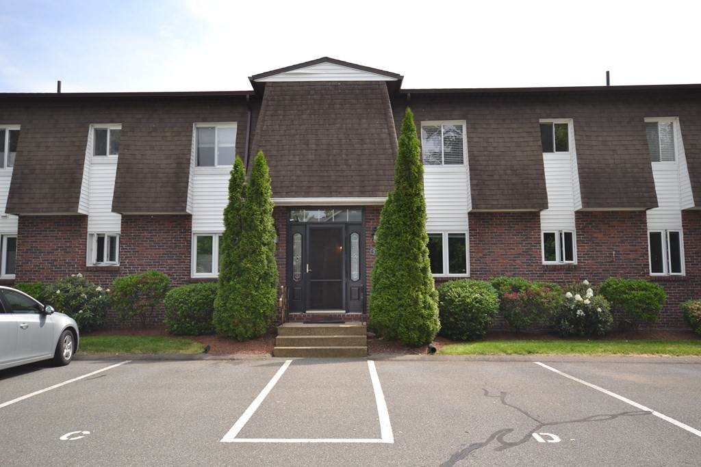 20 Lawrence Ave - Photo 1