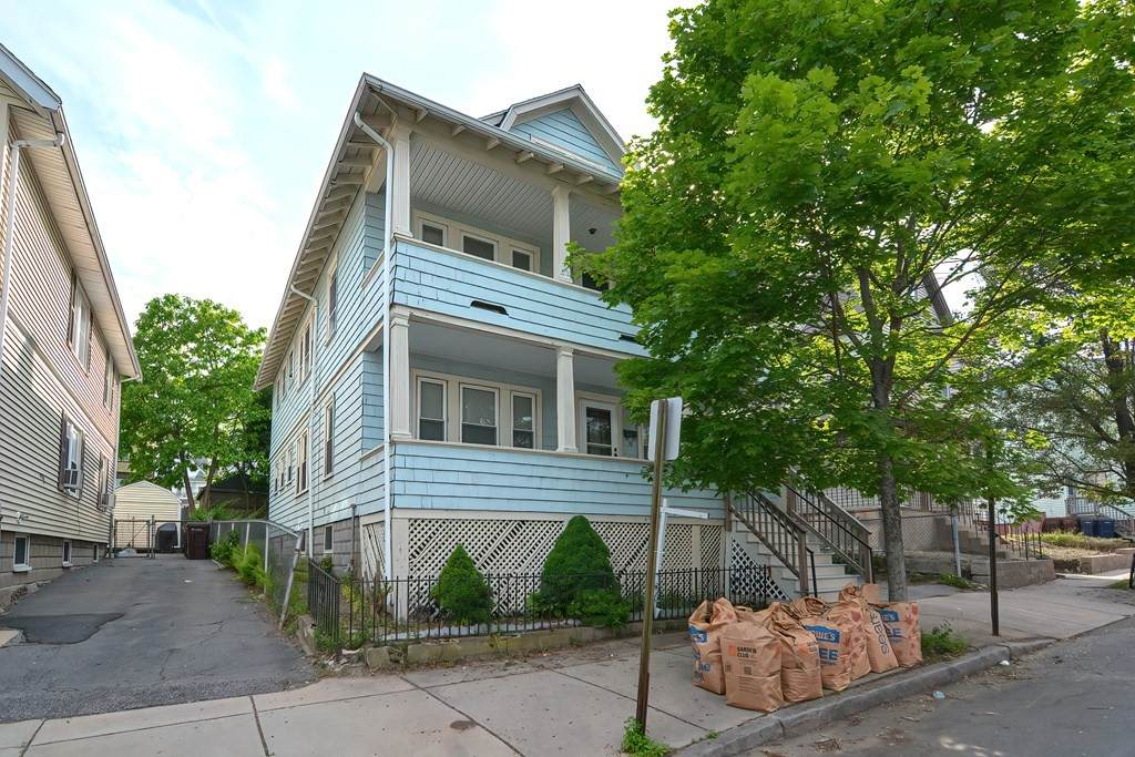 49-51 Reed Ave - Photo 1