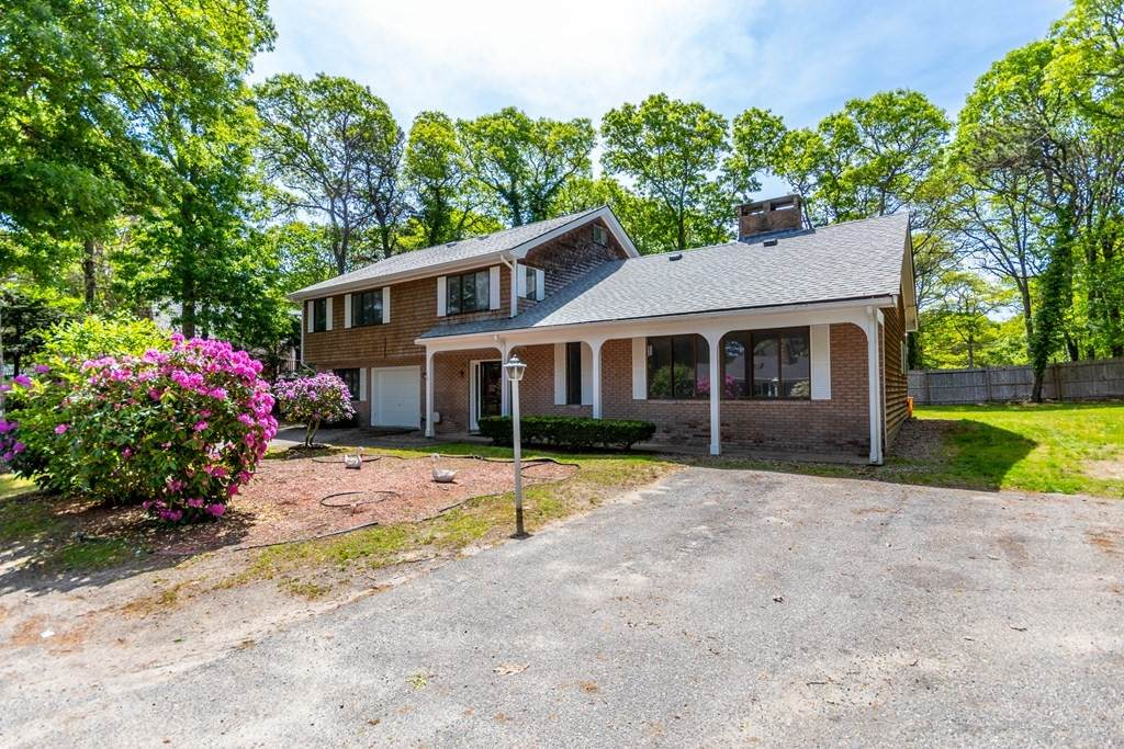 15 Sterling Rd - Photo 1