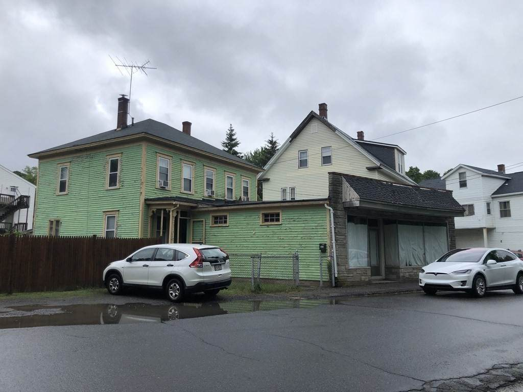 376 Green Street - Photo 1