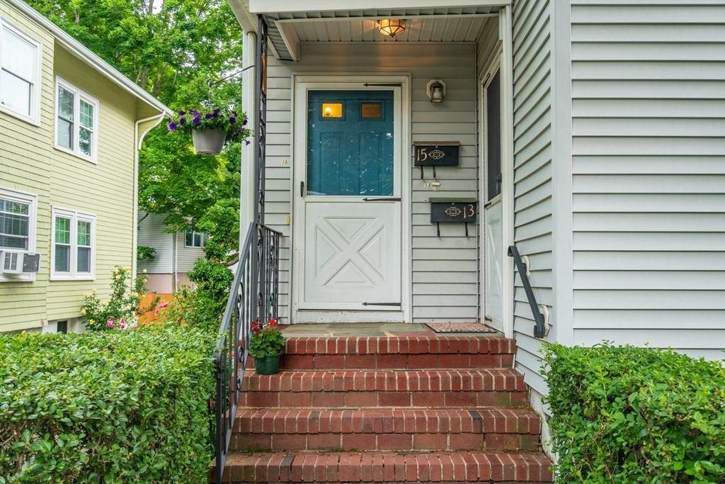 15 Bartlett Avenue - Photo 1