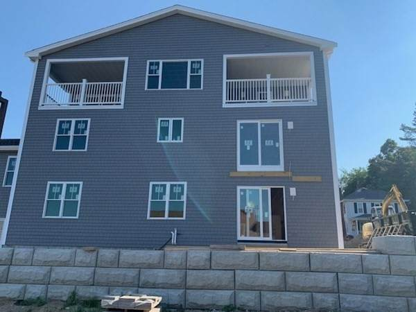 1 Samoset Court B, Plymouth, MA 02360 (MLS #72846828) :: Kinlin Grover Real Estate