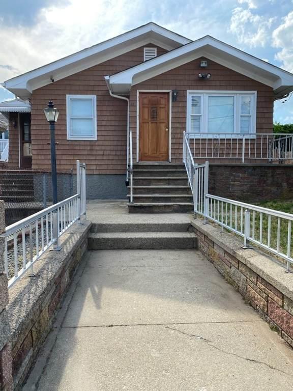 42 Tobin St, Fall River, MA 02723 (MLS #72849299) :: Chart House Realtors