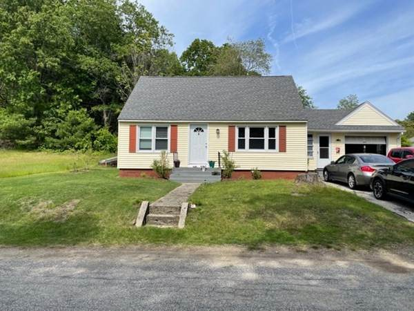 4 Gardner St, Oxford, MA 01540 (MLS #72849656) :: The Duffy Home Selling Team