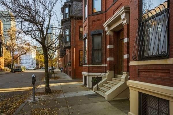 11 Hereford Street, Boston, MA 02116 (MLS #72851445) :: Chart House Realtors