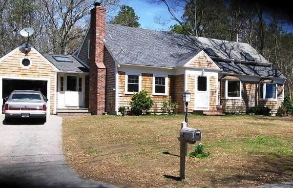 8 Helen Dr, Falmouth, MA 02536 (MLS #72852795) :: Dot Collection at Access