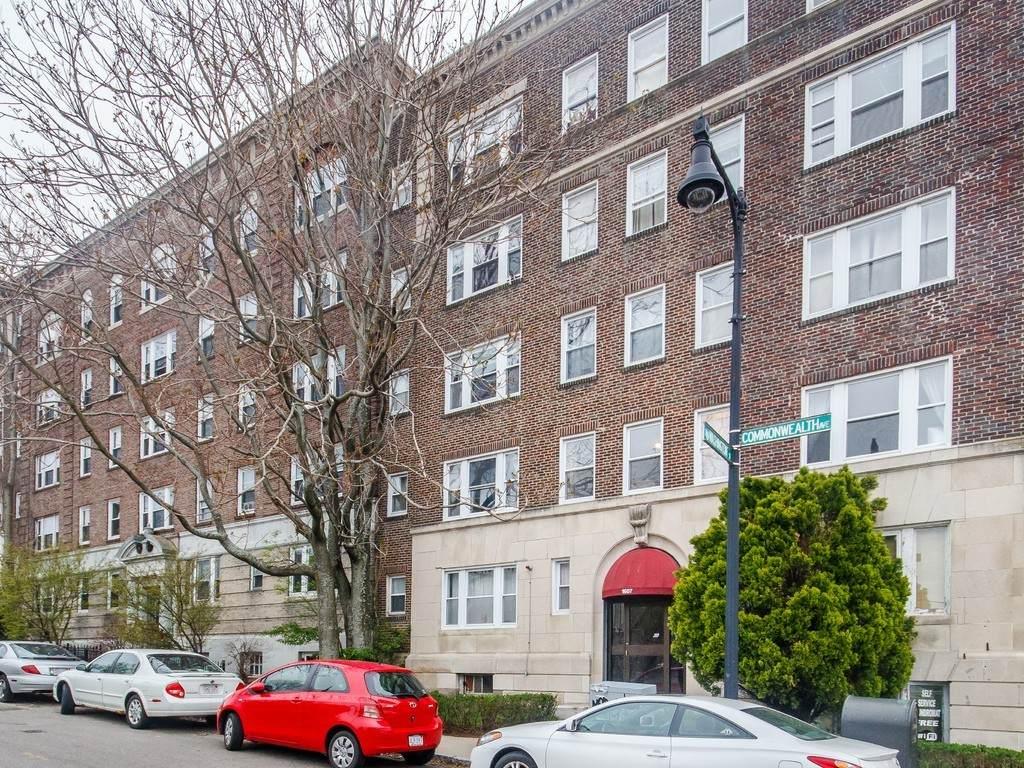 1607 Commonwealth Ave - Photo 1