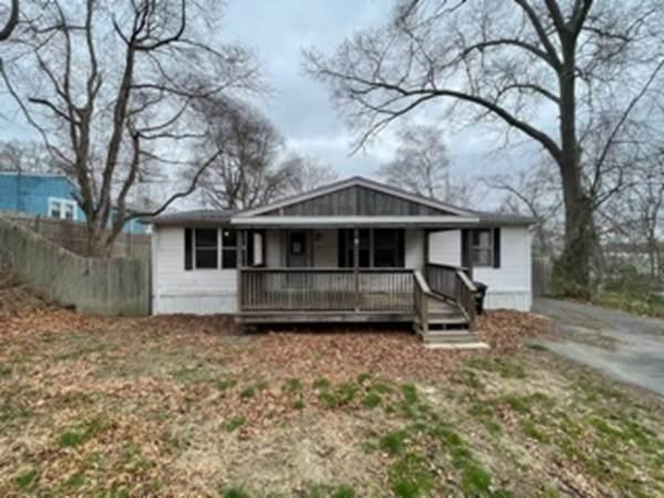 60 Willow St, Tiverton, RI 02878 (MLS #72858171) :: Westcott Properties
