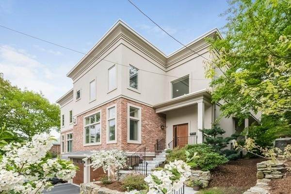 143 Florence St #143, Newton, MA 02467 (MLS #72861916) :: The Gillach Group