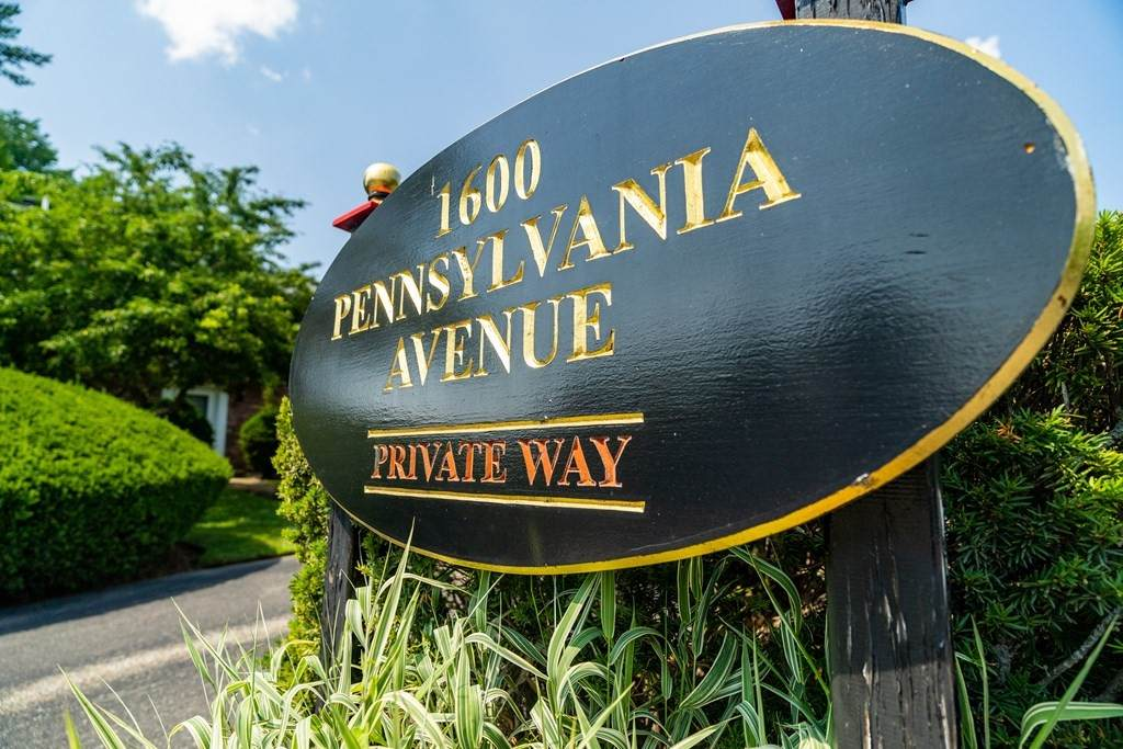 1600 Pennsylvania Ave - Photo 1