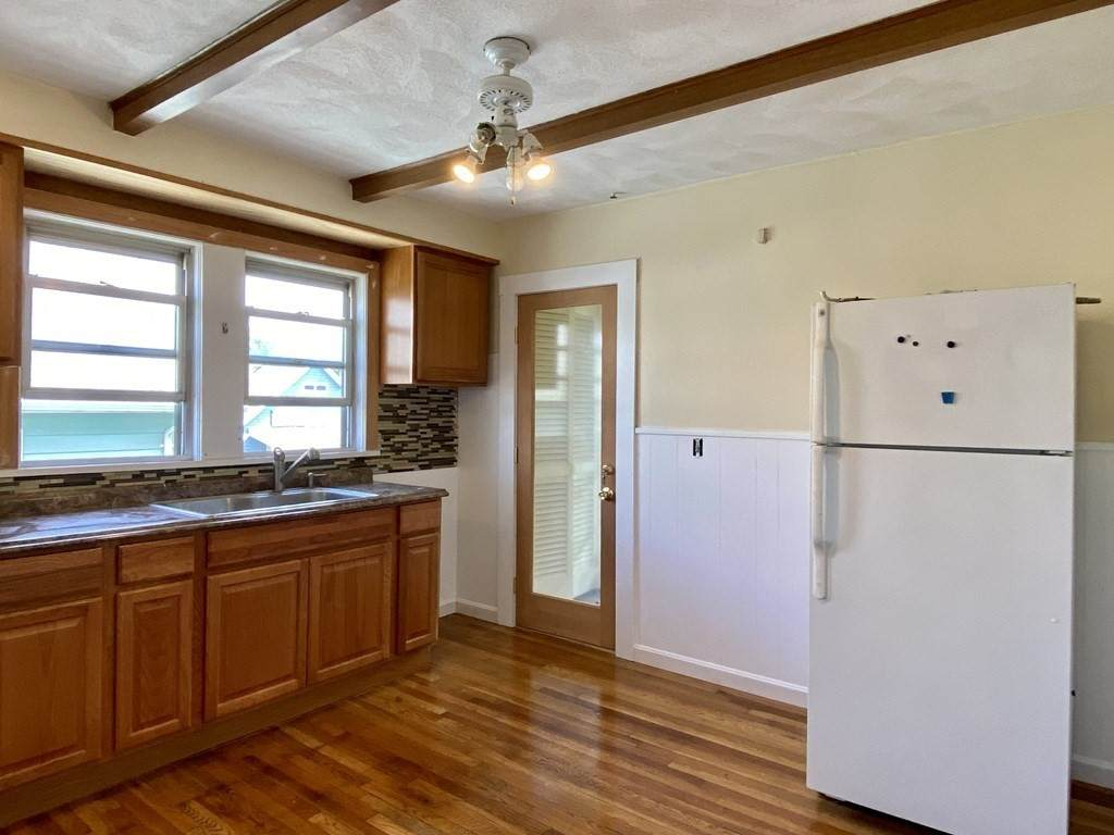 9 Crest Hill Road - Photo 1