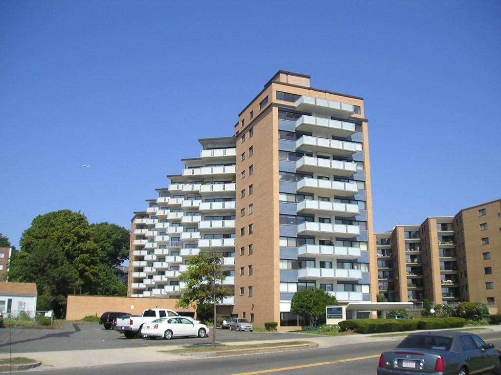 300 Lynn Shore Drive - Photo 1