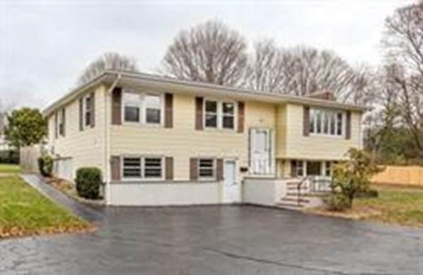 14 Cobb Terrace, Walpole, MA 02081 (MLS #72866351) :: Welchman Real Estate Group