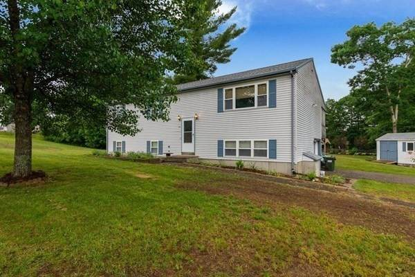 22 Clarence Dr - Photo 1