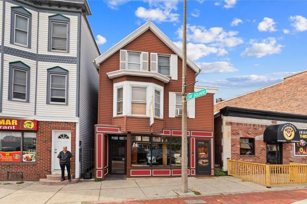 292 Bennington St - Photo 1
