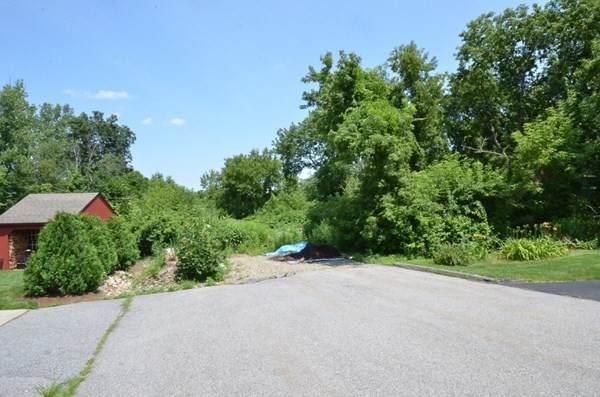 12-14 Auburn Hill Road - Photo 1