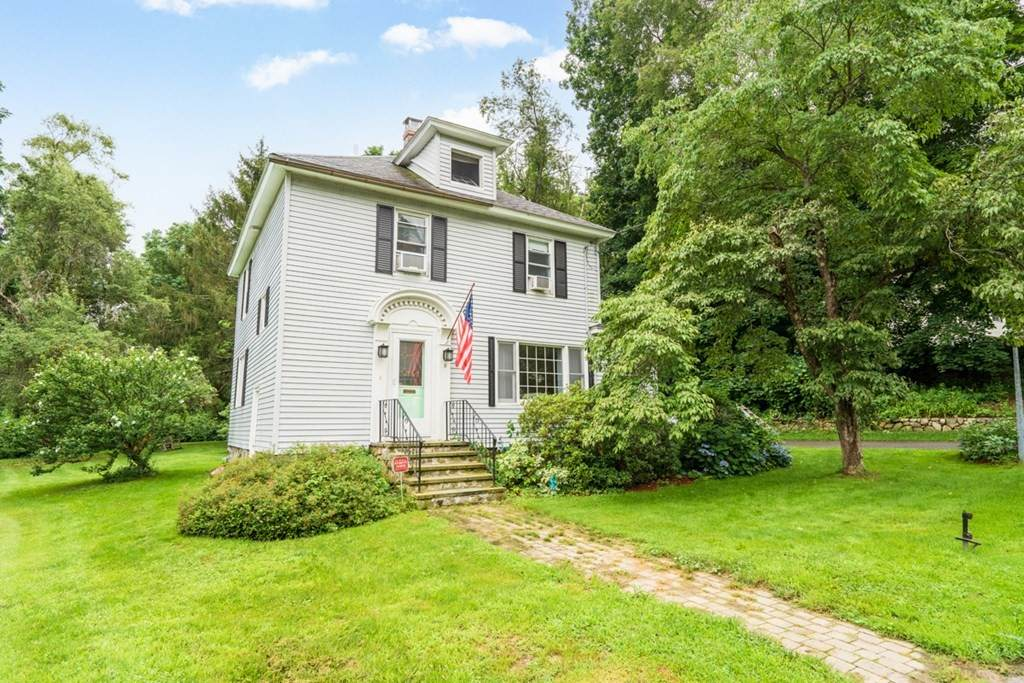 9 Curtis Ave - Photo 1