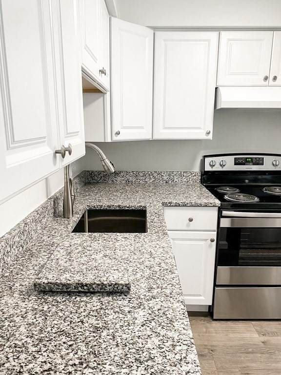 1 Royal Crest Drive #8, Randolph, MA 02368 (MLS #72870156) :: Home And Key Real Estate