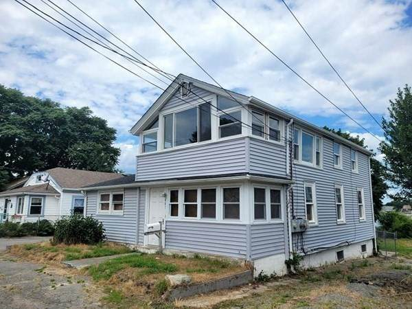 487 Ocean Grove Ave., Swansea, MA 02777 (MLS #72870757) :: Home And Key Real Estate