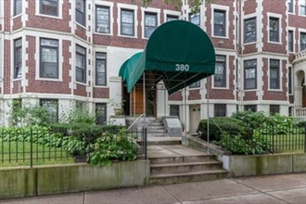 380 Riverway #7, Boston, MA 02115 (MLS #72870976) :: Boston Area Home Click