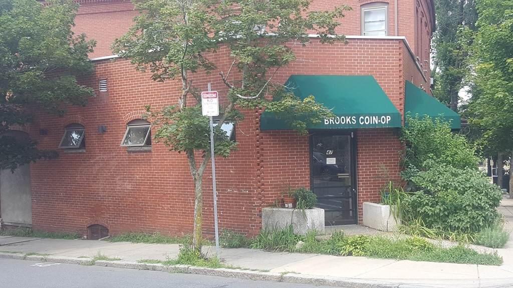 47 Brooks Street - Photo 1
