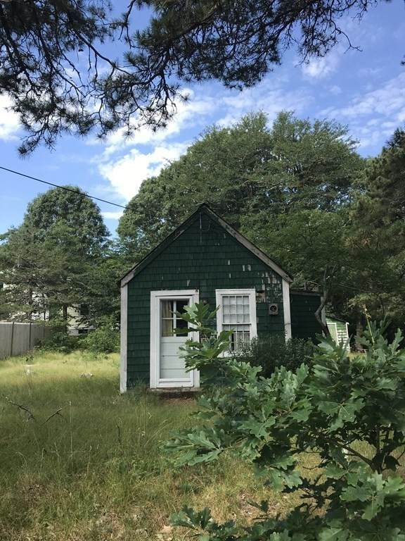 35 Lone Tree Rd, Dennis, MA 02639 (MLS #72871161) :: DNA Realty Group