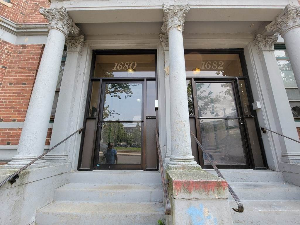 1680 Commonwealth Ave - Photo 1