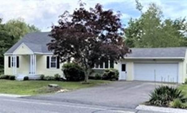 198 Cedar St, Hanover, MA 02339 (MLS #72873078) :: The Gillach Group