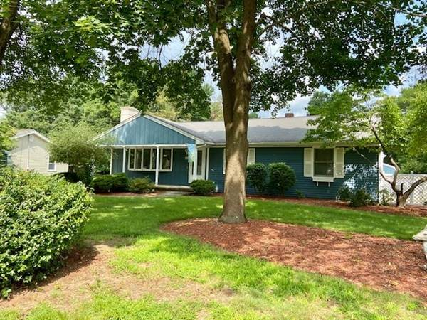 50 Raymond Hall Drvive, North Attleboro, MA 02760 (MLS #72874874) :: Chart House Realtors