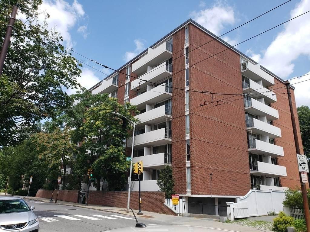 29 Concord Ave - Photo 1