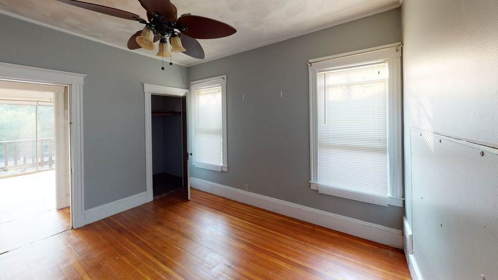 32 Seven Pines Ave - Photo 1