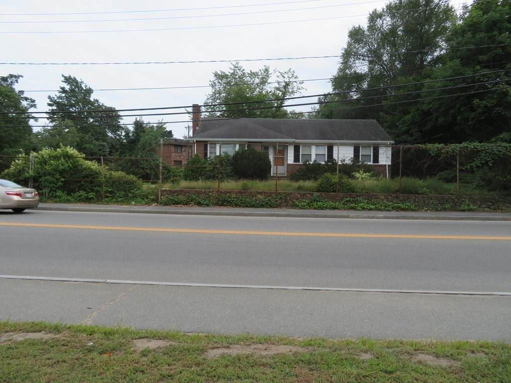 1076 Central Street - Photo 1