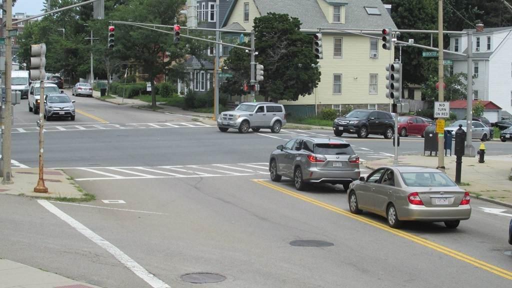 2083 Dorchester Ave - Photo 1