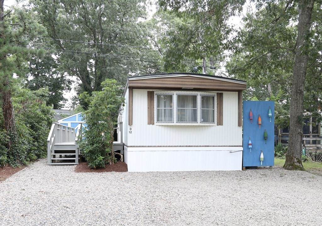 210 West Rd - Photo 1