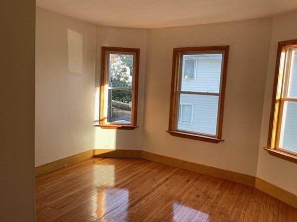 119-121 Federal Ave - Photo 1