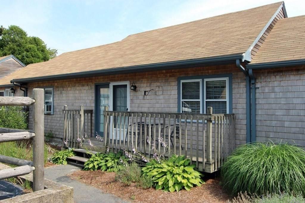 109 Seaview Ave - Photo 1